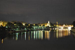 Noche sevillana. Fotografía de Antonio Lopera