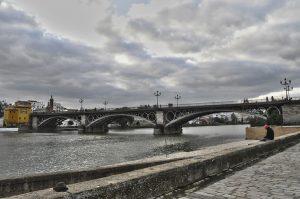 Puente de Triana. Sevilla. España.