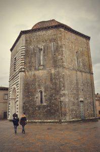 Baptisterio de Volterra. Fotografía de Antonio Lopera.