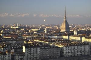Vista de Turín y Mole Antonelliana desde el Museo della Montagna