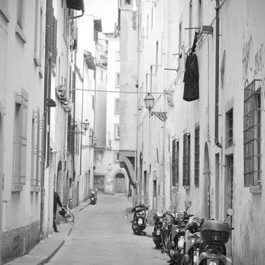 Strade di Oltrarno. Firenze. Italia. - Yermanasca Due