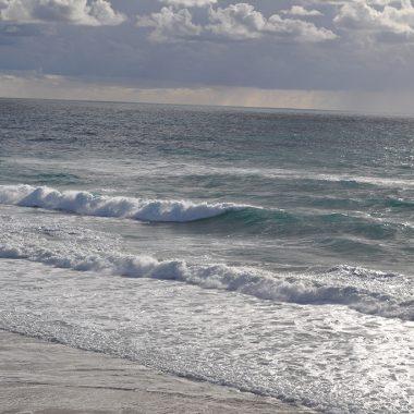 As ondas. Cascais. Portugal. - Yermanasca Due