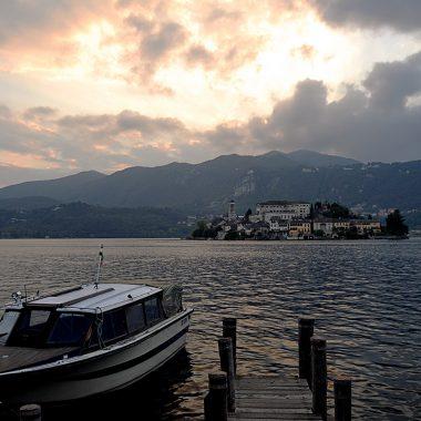 Tramonto sul Lago d'Orta. Lombardia. Italia. - Yermanasca Due