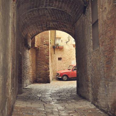 Strade di Volterra II. Toscana. Italia. - Yermanasca Due