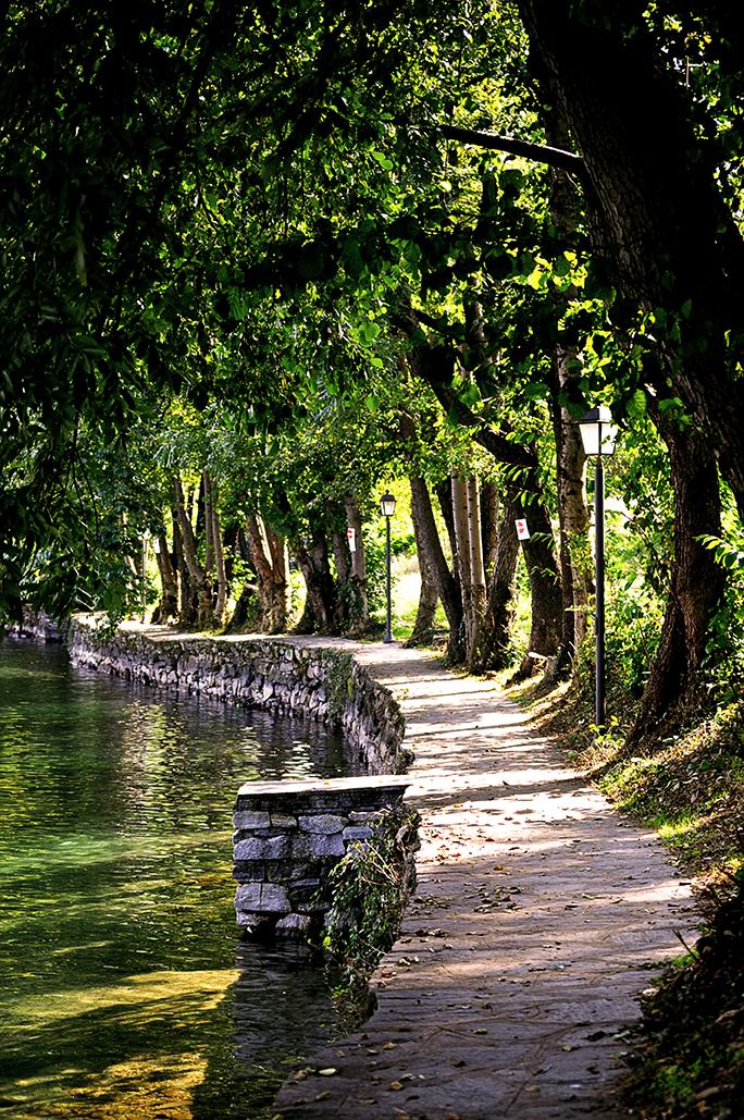 Caminos. Lago d'Orta. Lombardia. Italia. - Yermanasca Due
